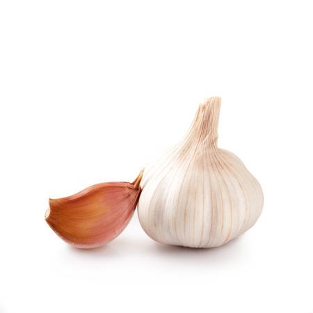 garlic: Ajo fresco aislado sobre fondo blanco  Foto de archivo