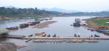 Sangkla、タイの農村のポート キャビン