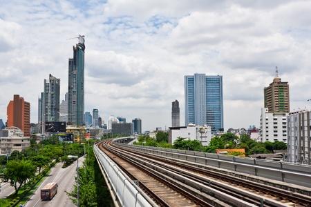Sky train railway in Bangkok with traffic light Stock Photo - 11543122