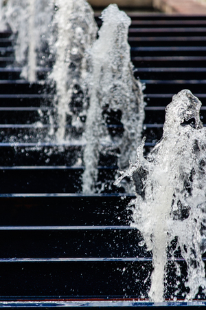 stream  jet: The gush of water of a fountain