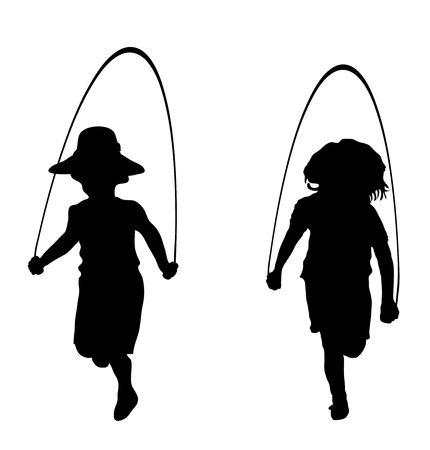 saltar la cuerda: silueta de los ni�os que juegan saltar la cuerda Foto de archivo