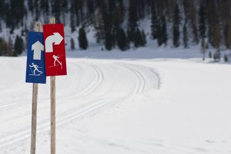 Signpost cross-country ski