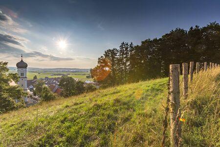 Germany, Bavaria, Allgaeu, Mindelheim, rural scene with church Standard-Bild