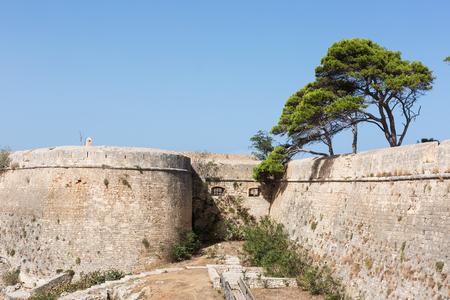 Una fortezza medievale Archivio Fotografico - 77458247