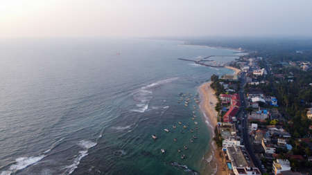Aerial view of the ocean and the town of Hikkaduwa, Sri Lanka Standard-Bild