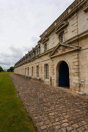 royale: Vista vertical del monumento hist�rico royale corderie en la ciudad de Rochefort Charente regi�n mar�tima de Francia