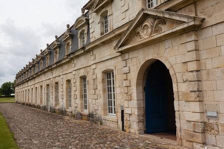 royale: Vista frontal del monumento hist�rico royale corderie en la ciudad de Rochefort Charente regi�n mar�tima de Francia Editorial
