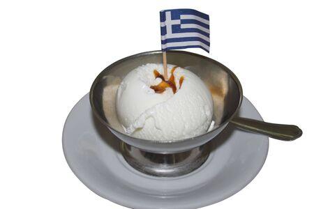 Griechische Flagge auf Vanille-Eis auf einem Teller Standard-Bild - 593015
