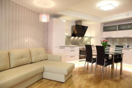 Bella Cucina Moderna Nordico Con Illuminazione Moderna Foto ...