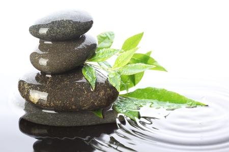 Gestapelde stenen in het water