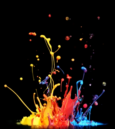 splash paint: Colorful paint splashing