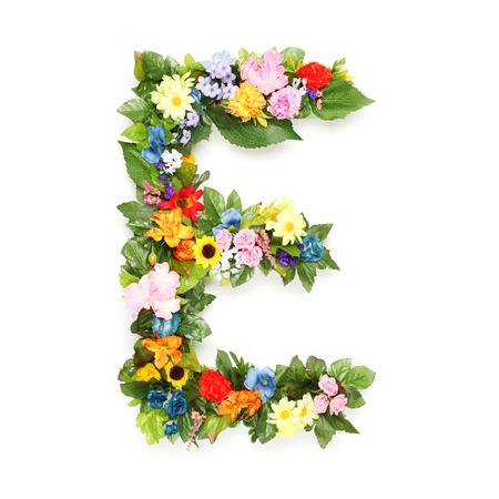 葉と花で作られた文字