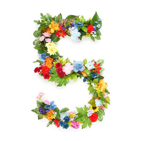 Numeri fatti di foglie e fiori Archivio Fotografico - 30830728