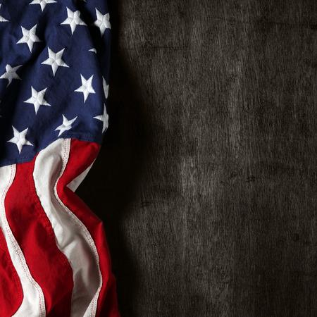 bandera estados unidos: Bandera americana para el D�a de los Ca�dos o 04 de julio Foto de archivo