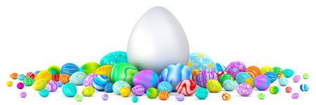 Stapel van kleurrijke paaseieren rond een reusachtige witte ei Stockfoto