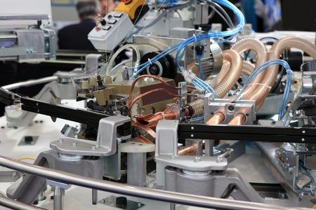 industria tessile: Close-up meccanismi delle macchine tessili in fabbrica Archivio Fotografico