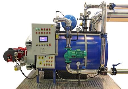 indépendante chambre moderne chaudière à gaz avec des manomètres, vannes, pompes et des canalisations Banque d'images