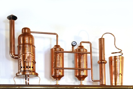 distillery: Alembic Copper - Distillation apparatus employed for the distillation of alcohol  Small model