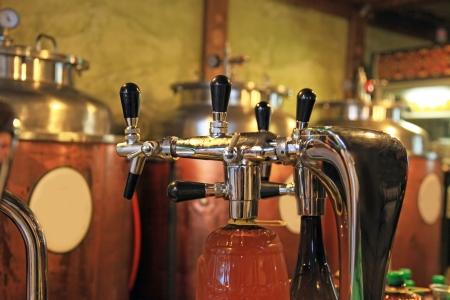 grifos: Botellas de cerveza en la cervecería privada botellas clientes