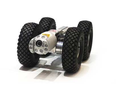 programing: Technological robot on wheels with a video camera for testing of pipes