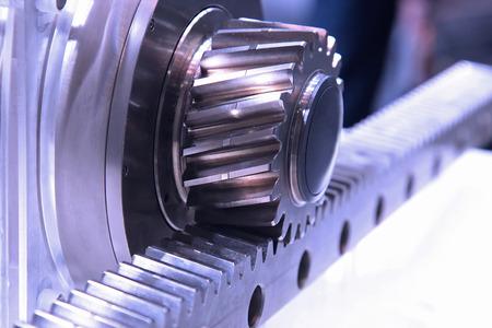 歯車伝達エネルギー フラット ラック付き