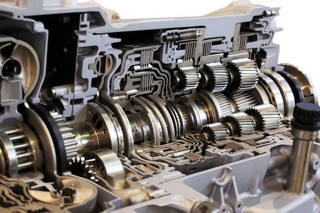 Boîte de transmission automobile avec beaucoup de détails