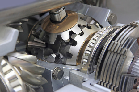 flywheel: Gear differential transmission with automatic control in the context
