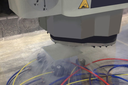 buffing: machine for polishing metal surface with the use of coolant