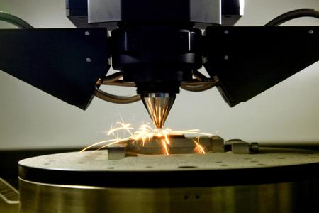 detail van 3D-printer afdrukken van een stuk metaal Stockfoto