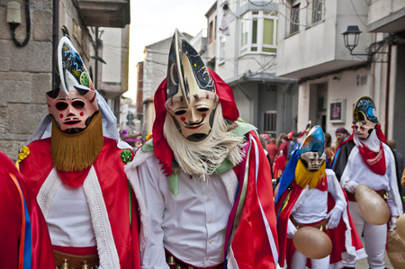 LIMIA XINZO OF-SPAIN-31 janvier 2016 Carnaval de la ville galicienne d'Ourense xinzo dans leurs robes typiques