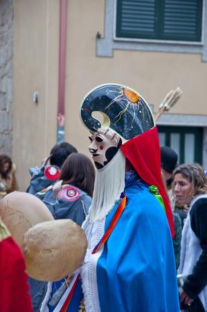 LIMIA XINZO OF-SPAIN-31 janvier 2016 Carnaval de la ville galicienne d'Ourense xinzo dans leurs robes typiques Banque d'images - 52785918