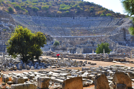 EPHESUS, TURKEY SEPTEMBER. 27, 2016  Tourists visiting the ruins of Ephesus in Turkey from the preserved megas of Asia Minor being one of the most visited places in the world and considered of world interest 報道画像