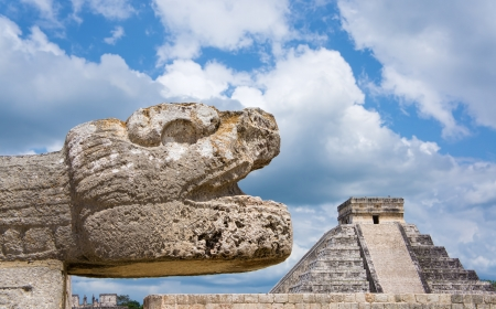 civilizations: Mayan pyramid at Chichen Itza