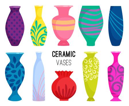 Colección de jarrones de cerámica. Objetos de jarrón de cerámica de colores, tazas de cerámica antigua con flores, patrones florales y abstractos aislados en la ilustración de vector blanco