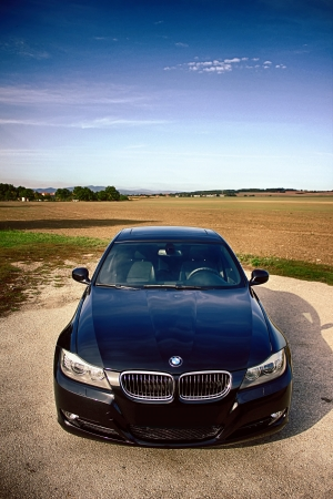 bonnet up: BMW 5 series from top