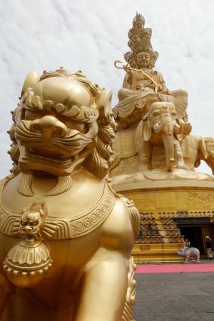 Golden Buddha statue on Mount Emei summit in china Stock Photo - 15156269