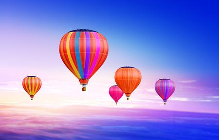 Viele bunte Heißluftballons in den blauen Himmel Standard-Bild - 39251264