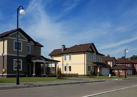 middle class: Limpia, idílico, tranquilo barrio en América