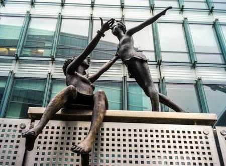 onu: Bronze statue in ONU area, Bruxelles