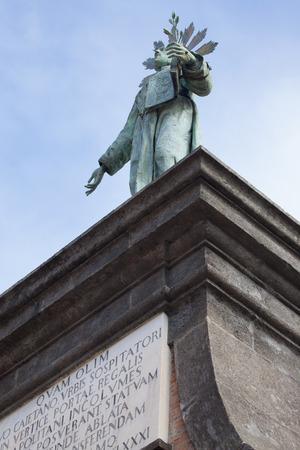 piazza: Marble sculpture in piazza Dante, napoli, Italy