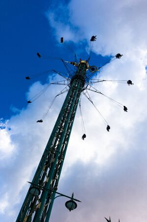 caida libre: parque de atracciones de Tivoli, Copenhague, Dinamarca