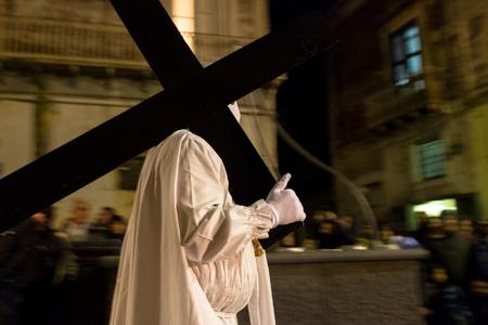viernes santo: Santo la procesión del viernes en la fiesta Pascua, Procida, Nápoles, Italia Foto de archivo