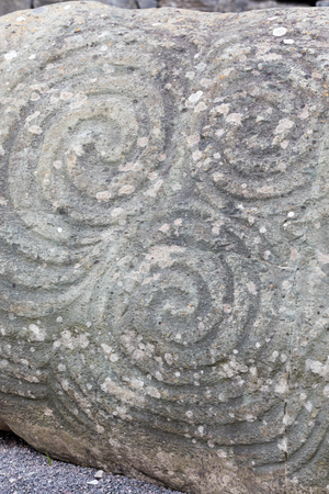 triskele: Newgrange is a Stone Age monument in the Boyne Valley, County Meath,  is best known for the illumination of its passage and chamber by the winter solstice sun Stock Photo
