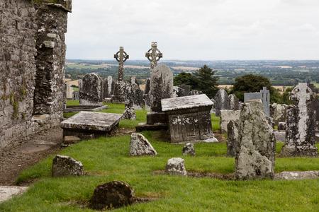 Veduta di un cimitero rurale in Irlanda Archivio Fotografico - 87923108
