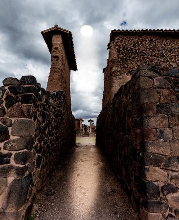 Summer solstice in temple of Wiracocha, Raqchi, Peru 스톡 콘텐츠