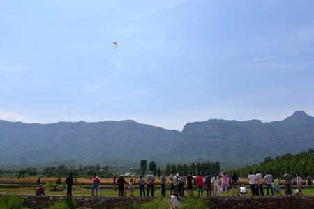 parapente: Paragliding competition landed in the Taihang mountains
