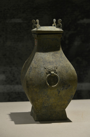 bronze: Bronze copper pot