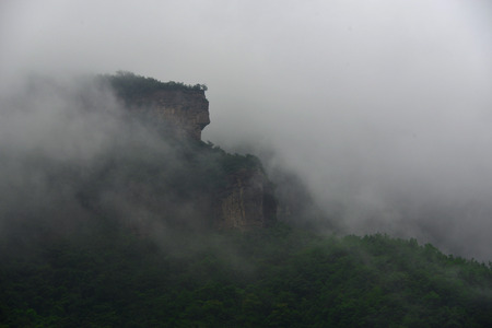 peculiar: The peculiar shape of the Taihang peaks