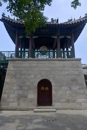 Building structure at Penglai Pavilion