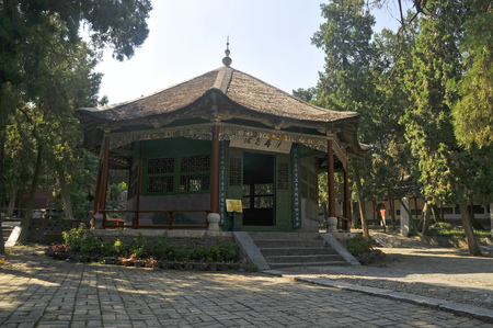 View of a chinese pavilion Редакционное